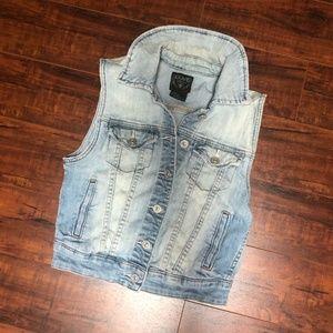 Light Wash Accent Blue Jean Layering Vest Top